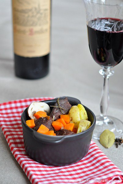 boeuf-bourguignon-rindfleisch-burgunder-art-top-10-fleisch-hauptspeisen-rezepte-franzosisch-kochen-by-aurelie-bastian