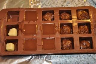 pralines-au-chocolat-croquant-et-au-massepain-knusprige-schoko-und-marzipan-pralinen-rezepte-nachspeisen-weihnachten-franzosisch-kochen-by-aurelie-bastian