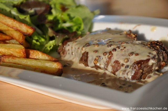 Rezept: Steak au poivre flambé au cognac (Mit Cognac flambiertes Pfeffersteak)   www.franzoesischkochen.de