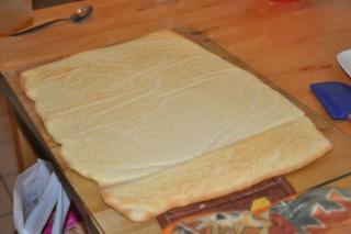 bras-de-venus-aux-framboises-et-litchis-leichter-gerollter-kuchen-mit-himbeeren-litschis-und-rosen-backen-rezepte-nachspeisen-franzosisch-kochen-by-aurelie-bastian