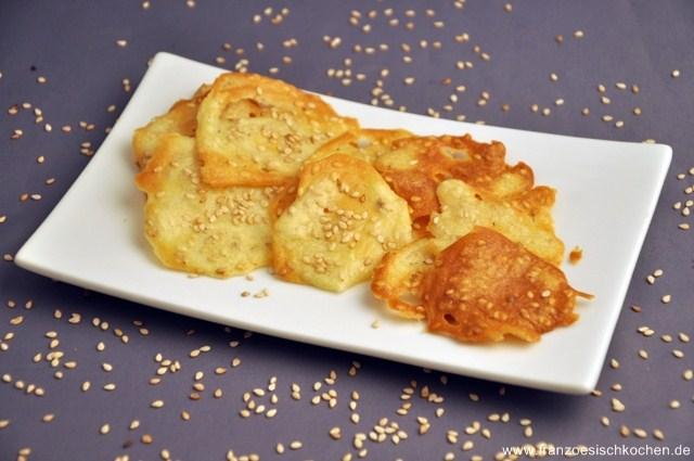 tuiles-salees-au-sesame-salzige-dachziegeln-mit-sesam-backen-kekse-platzchen-rezepte-snacks-und-kleine-gerichte-vegetarisch-vorspeisen-franzosisch-kochen-by-aurelie-bastian