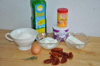 bouchees-aux-tomates-sechees-et-feta-muffins-mit-trockenen-tomaten-und-feta-backen-rezepte-snacks-und-kleine-gerichte-vegetarisch-vorspeisen-franzosisch-kochen-by-aurelie-bastian