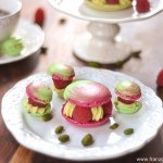 Paris-Berlin, Macarons framboises-pistaches (Paris-Berlin, Himbeeren-Pistazien Macarons)