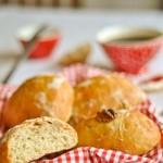 Petits pains aux noix sans pétrissage (Walnuss-Brötchen ohne kneten)