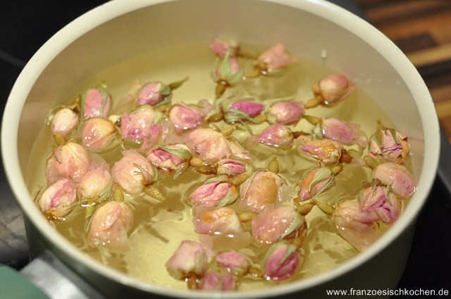 Rezept: Sirop de rose (Rosensirup)   www.franzoesischkochen.de