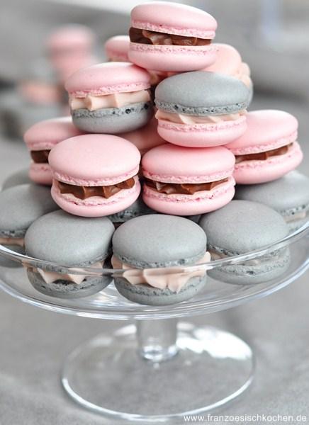 macarons-a-la-reglisse-et-a-la-badiane-lakritz-und-sternanis-macarons--backen-kekse-platzchen-macarons-nachspeisen-franzosisch-kochen-by-aurelie-bastian