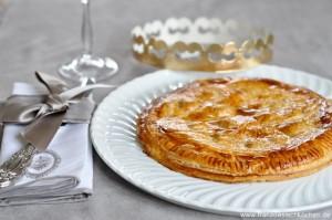 galette-des-rois-traditioneller-kuchen-zum-dreikonigsfest-backen-rezepte-nachspeisen-tarte-franzosisch-kochen-by-aurelie-bastian
