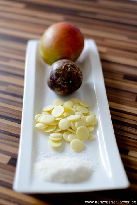 buche-de-noel-mangue-passion-et-noix-de-coco--weihnachtkuchen-mit-mangopassionsfruchtkoko--backen-nachspeisen-videos-weihnachten-franzosisch-kochen-by-aurelie-bastian