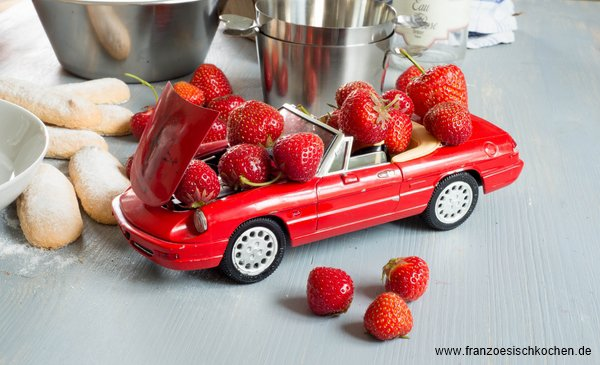 Rezept: Charlotte aux fraises ( Erdbeer Charlotte )    www.franzoesischkochen.de