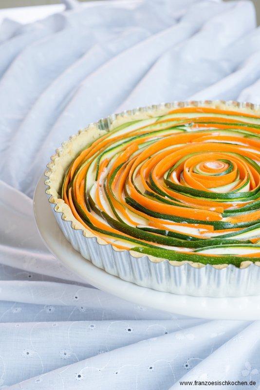 Tarte Fleur salée Carottes-Courgettes comme une rose (Salzige Tarte Möhren-Zucchini wie eine Rose)