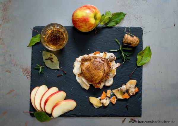 Poularde aux pommes et au cidre ( Poularde mit Äpfeln und Cidre )