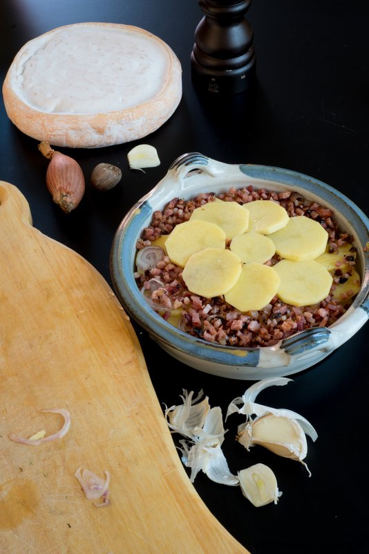 tartiflette-backen-hauptspeisen-kase-rezepte-snacks-und-kleine-gerichte-franzosisch-kochen-by-aurelie-bastian