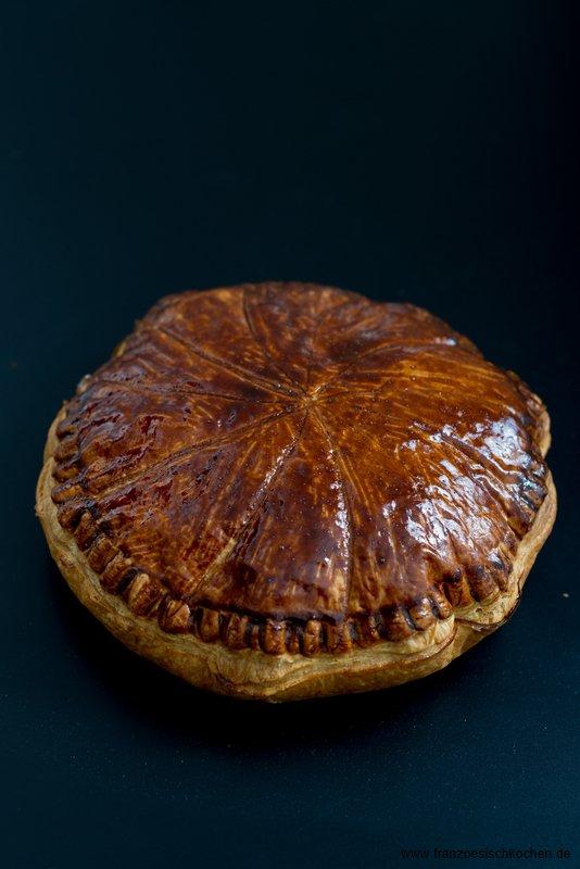 galette-des-rois-au-chocolat--dreikonigsfestkuchen-mit-schokolade-backen-nachspeisen-tarte-torten-weihnachten-franzosisch-kochen-by-aurelie-bastian
