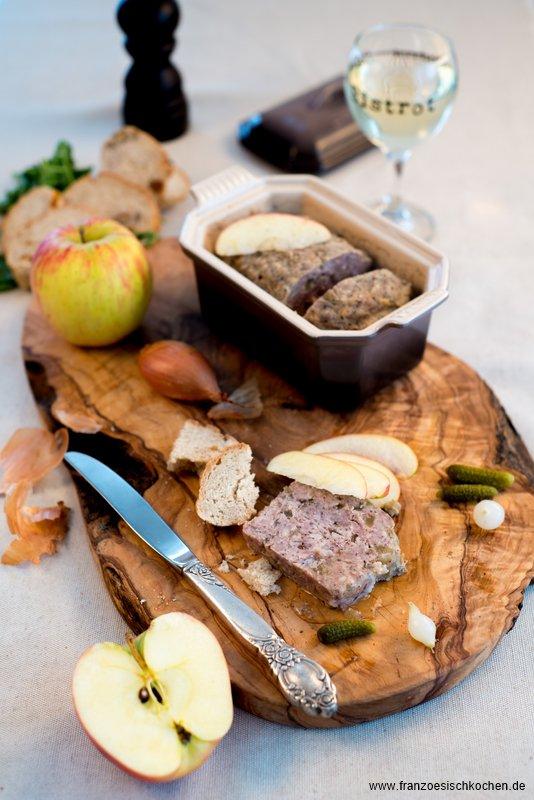 Terrine de canard aux pommes, Calvados et 4 épices (Ententerrine mit Äpfeln, Calvados und 4-Gewürzen)