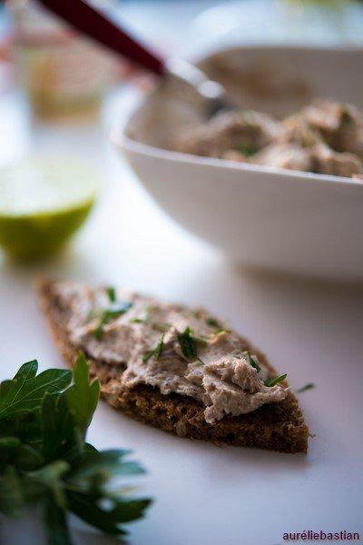 rillettes-de-sardines-et-citron-vert--aufstrich-mit-sardinen-und-limette--aperitif-fisch-rezepte-salat-snacks-und-kleine-gerichte-vorspeisen-franzosisch-kochen-by-aurelie-bastian