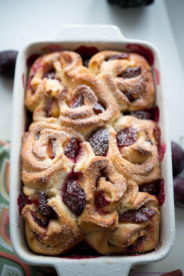 brioche-aux-prunes-brioche-rollchen-mit-pflaumen-backen-brot-fruehstueck-kinder-snacks-und-kleine-gerichte-tarte-vesper-franzosisch-kochen-by-aurelie-bastian