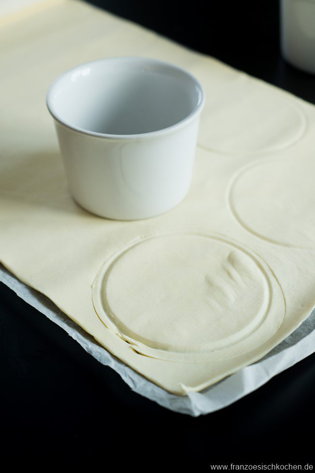 feuillete-aux-saintjacques-et-fondue-de-poireaux-jakobsmuscheln-und-porree-im-blatterteig--backen-fisch-hauptspeisen-rezepte-snacks-und-kleine-gerichte-vorspeisen-franzosisch-kochen-by-aurelie-bastian
