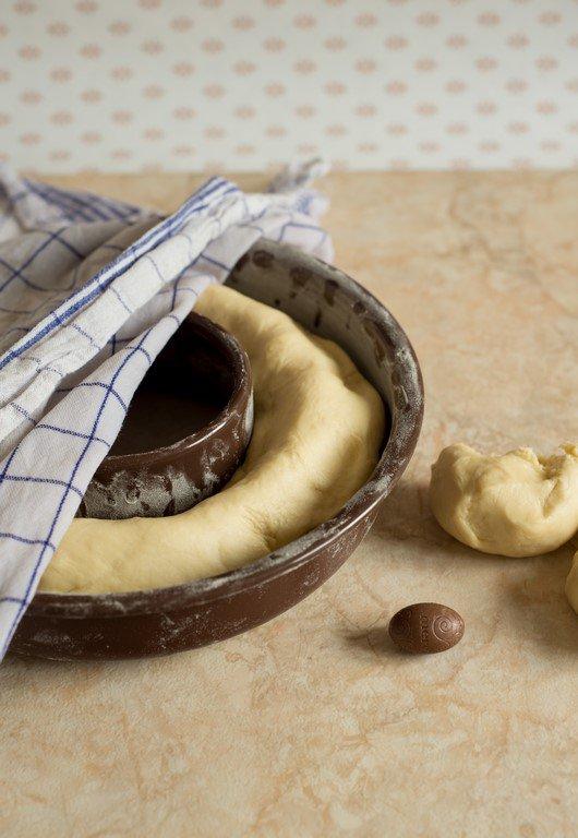 brioche-de-paques-fourree-aux-pralines-osterbrioche-mit-pralinen-backen-brot-fruehstueck-kinder-torten-franzosisch-kochen-by-aurelie-bastian