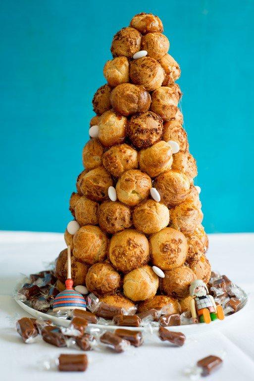 croquembouche--tipps-fur-die-perfekte-windbeutelpyramide-backen-geschenk-kekse-platzchen-rezepte-nachspeisen-torten-vesper-franzosisch-kochen-by-aurelie-bastian