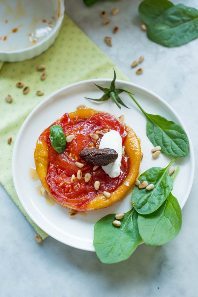 Herzhafte Tarte Tatin mit Tomaten (Tarte Tatin salée aux tomates)