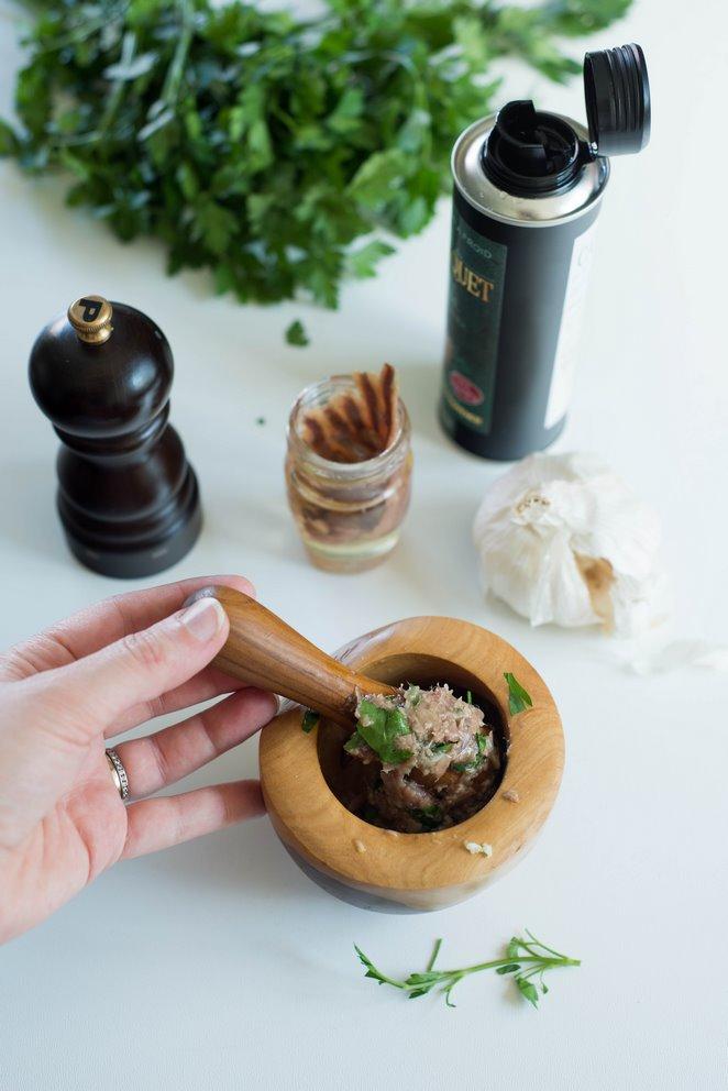 anchoiade-aperitif-brotaufstrich-rezepte-snacks-und-kleine-gerichte-vorspeisen-franzosisch-kochen-by-aurelie-bastian
