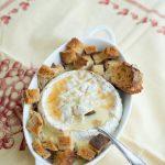 Warmer Camembert mit Cidre und Honig (Camembert chaud au cidre et au miel)