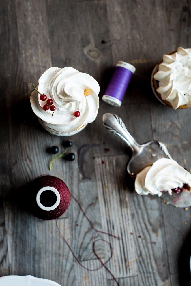 johannisbeertartelettes-mit-baiserhaube-tartelettes-aux-fruits-rouges-et-meringue-geschenk-kinder-rezepte-nachspeisen-tarte-franzosisch-kochen-by-aurelie-bastian