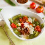 Soupe au Pistou mit Tomaten: Noch ein bisschen Sommer in meiner Suppe