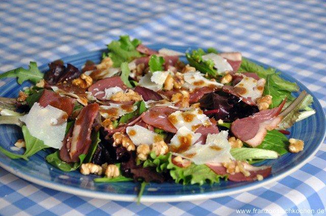 salade-de-magret-de-canard-fume-salat-mit-geraucherte-barbarieentenbrust-dsc3416-640x480