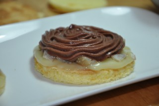 dessert-aux-chataignes-et-aux-2-chocolats--dessert-mit-kastanien-und-2-schokoladen-dsc4059-320x200