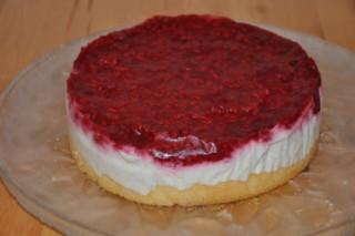 gateau-aux-framboises-et-biscuits-roses-de-reims-himbeertorte-mit-rosa-biskuits-aus-reims-dsc5112-320x200