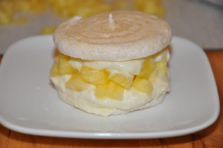 entremets-ananas-et-meringues-ananasbaisernachspeise-dsc5472-320x200