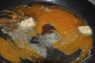 macarons-a-la-creme-de-caramel-au-beurre-sale-macarons-mit-salzbutterkaramellcreme-dsc6573-320x200