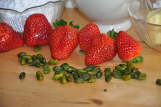 financiers-fraisespistaches-erdbeerpistazienfinanciers-dsc7978-320x200