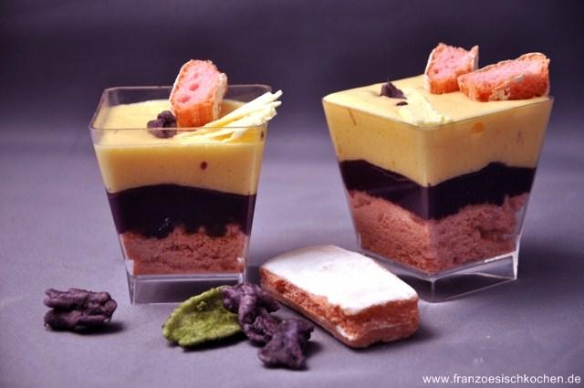 verrines-a-la-violette-chocolat-blanc-et-biscuits-roses-de-reims-verrines-mit-veilchen-weisse-schokolade-und-rosa-biscuits-aus-reims-dsc8041khg-640x480