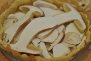 tarte-fine-aux-bolets-et-noisettes-tarte-mit-steinpilze-und-haselnusse