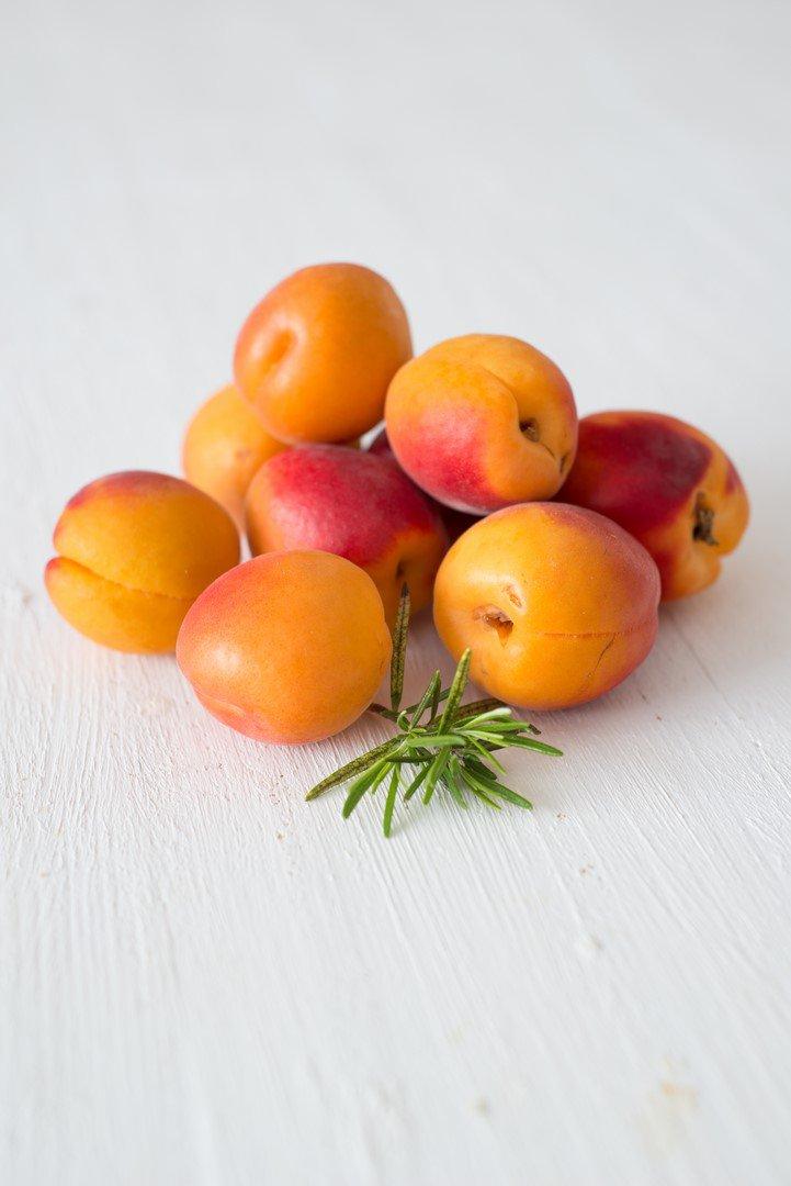tarte-tatin-aux-abricots-et-romarin-aprikosenrosmarin-tatin-