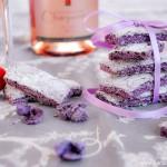 Biscuits violets de Reims à la Violette de Toulouse (Biscuits roses de Reims mit Veilchen aus Toulouse)