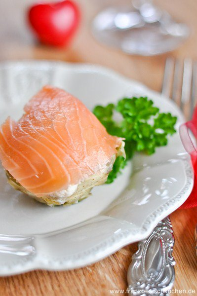 mousse-de-saumon-sur-lit-dartichaut-lachsmousse-auf-artischocken-dsc38432-copier