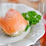 Mousse de saumon sur lit d'artichaut (Lachsmousse auf Artischocken)