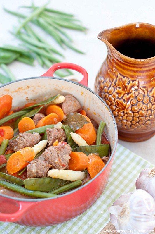 Navarin d'agneau aux légumes printaniés (geschmortes Lamm mit Frühlingsgemüse)