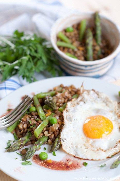 Salade de lentilles et légumes verts ( Salat mit grünen Linsen und Gemüse )