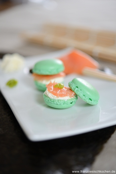 Macarons Saumon-Wasabi et fromage frais ( Macarons Lachs-Wasabi und Frischkäse), 4 Jahre franzoesischkochen.de und Macarons zu verschenken