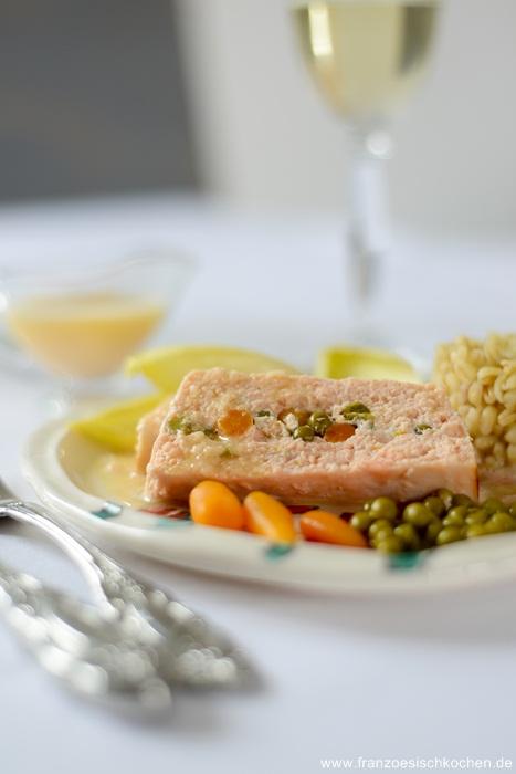 Terrine de poisson sauce au beurre blanc, schnell und lecker (Fischterrine mit Weißwein Sauce)