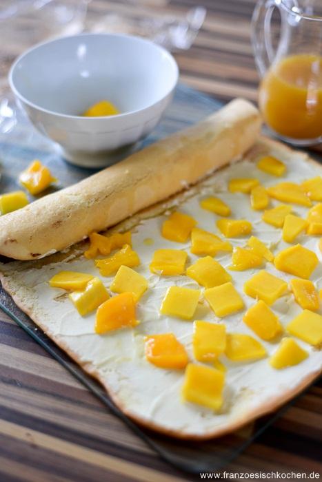 buche-de-noel-mangue-passion-et-noix-de-coco--weihnachtkuchen-mit-mangopassionsfruchtkoko--dsc19701-copier