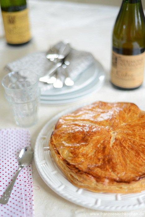 galette-des-rois-frangipane-et-pommes--traditioneller-kuchen-zum-dreikonigsfest-mit-fragipane-und-apfelmus-dsc26721-copier