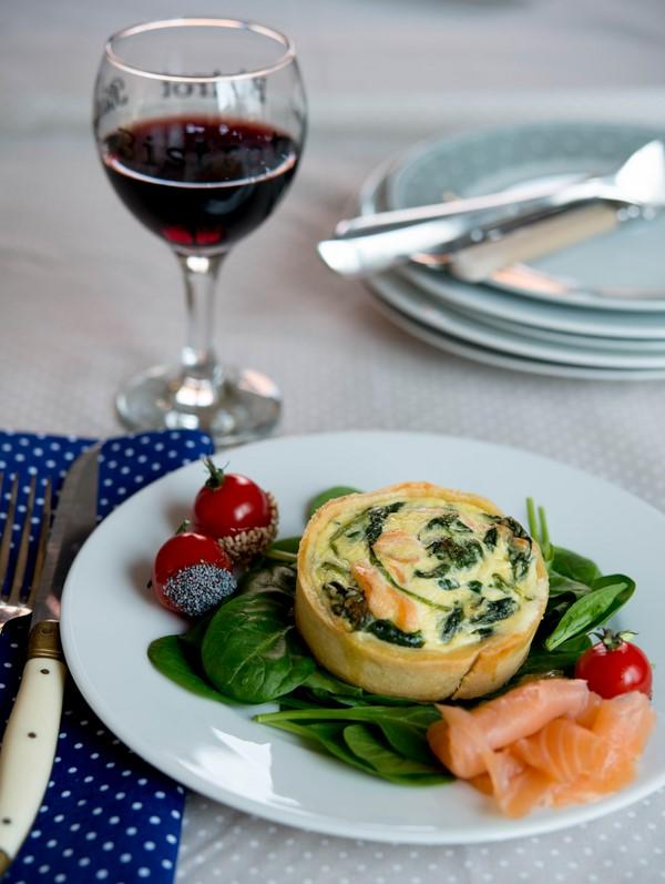 quiche-au-saumon-ou-chevre-et-epinards--quiche-mit-lachs-oder-ziegenkase-und-spinat--dsc38881-copier