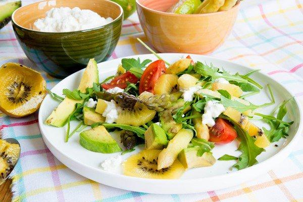 salade-vitaminee-salat-mit-spargel-frischkase-und-vielen-vitaminen-dsc52331-copier