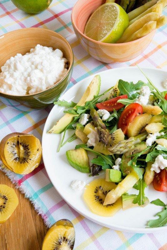 salade-vitaminee-salat-mit-spargel-frischkase-und-vielen-vitaminen-dsc52411-copier