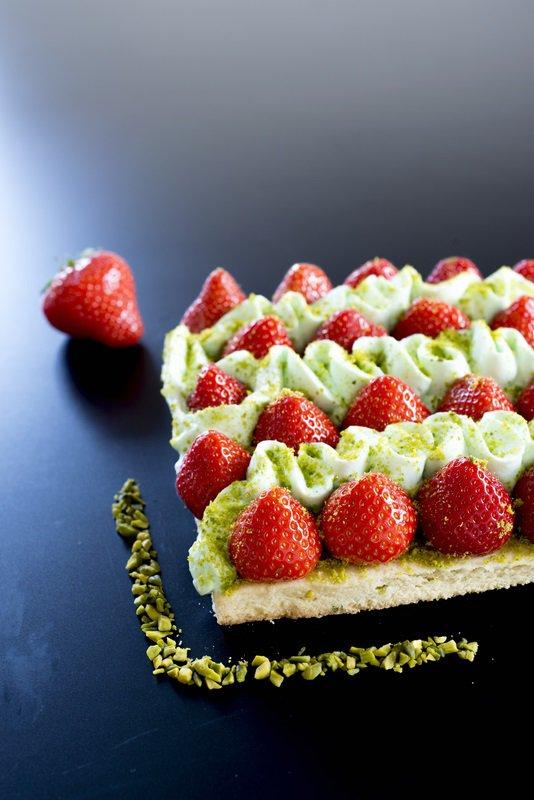 hinter-den-coulissen--ein-neues-buch-im-entstehen--aufregend-und-lecker--tarte-fraise--pistache--erdbeerenpistazien-tarte-4-copier
